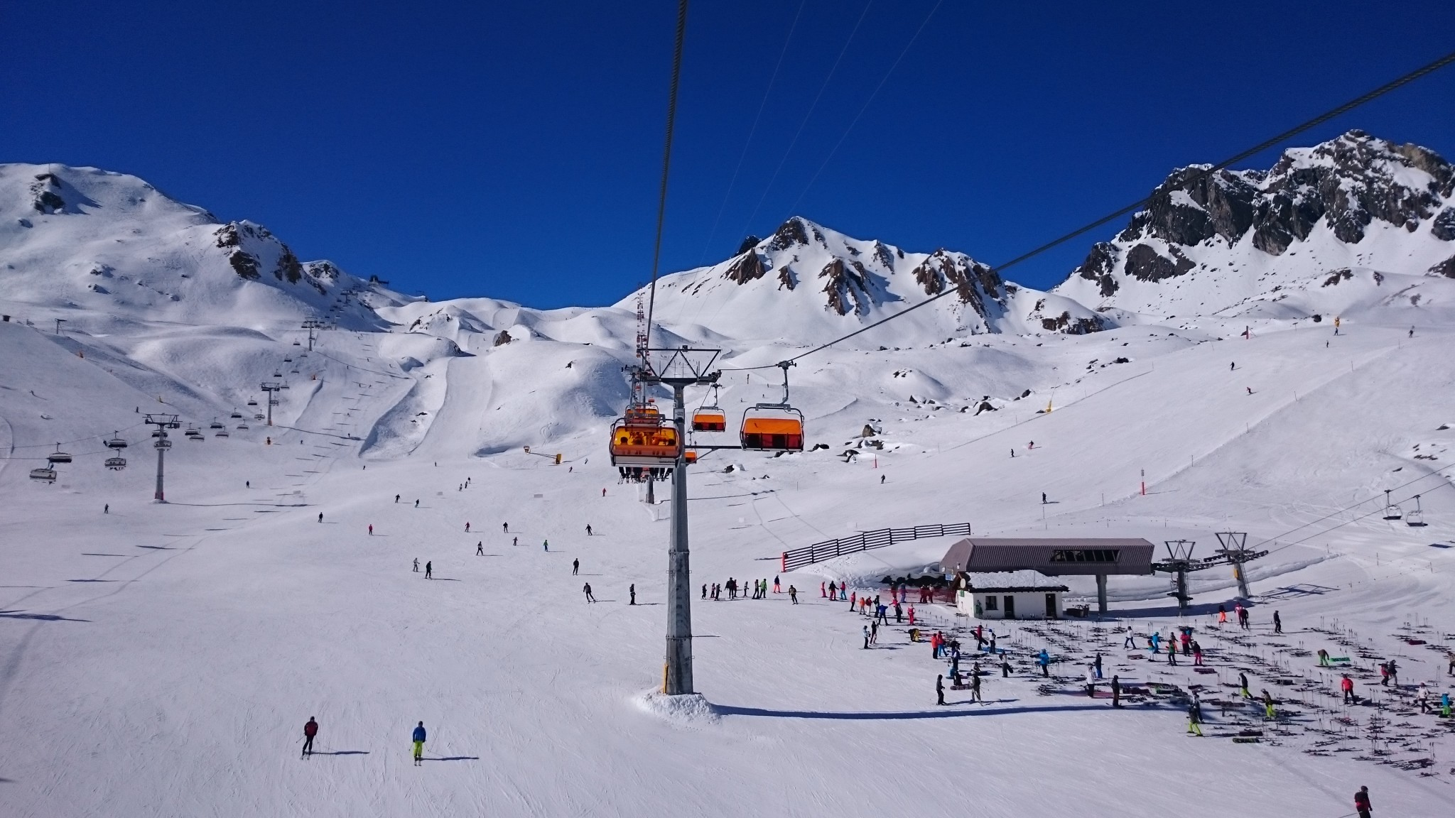 Skigebiet Samnaun Silvretta Bergbahnen - Pistenrettung und Recht