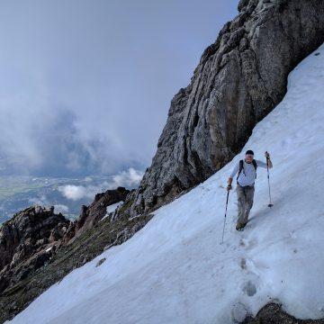 Risiko beim Wandern: Ausrutschen auf Altschnee