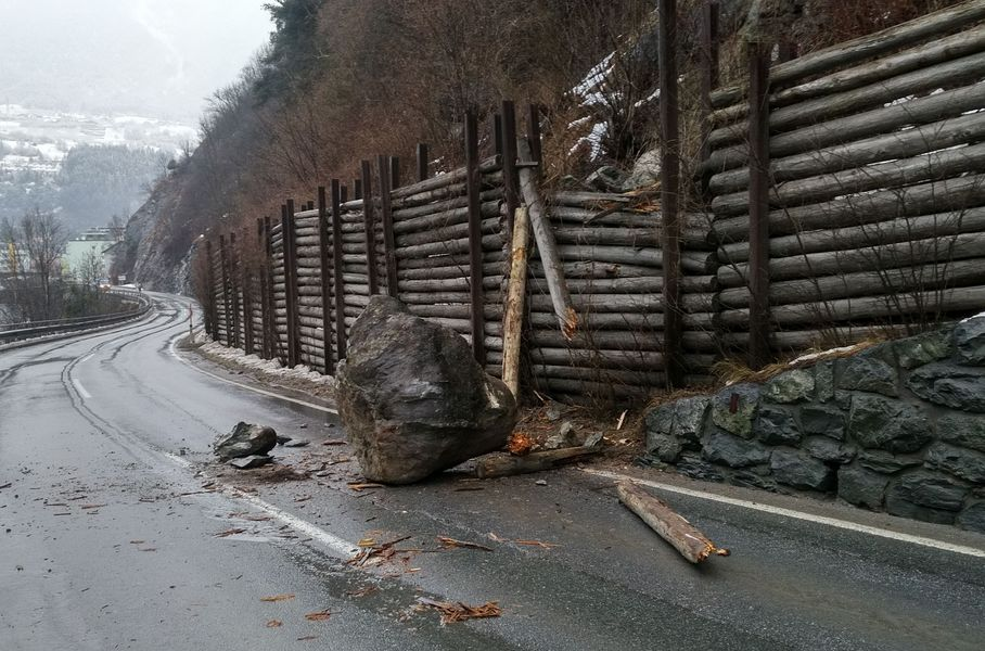 Die Sperre der L 76 Landecker Straße wird voraussichtlich zwei Wochen dauern - Foto Land Tirol